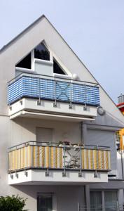 Stoff als Balkon-Sichtschutz